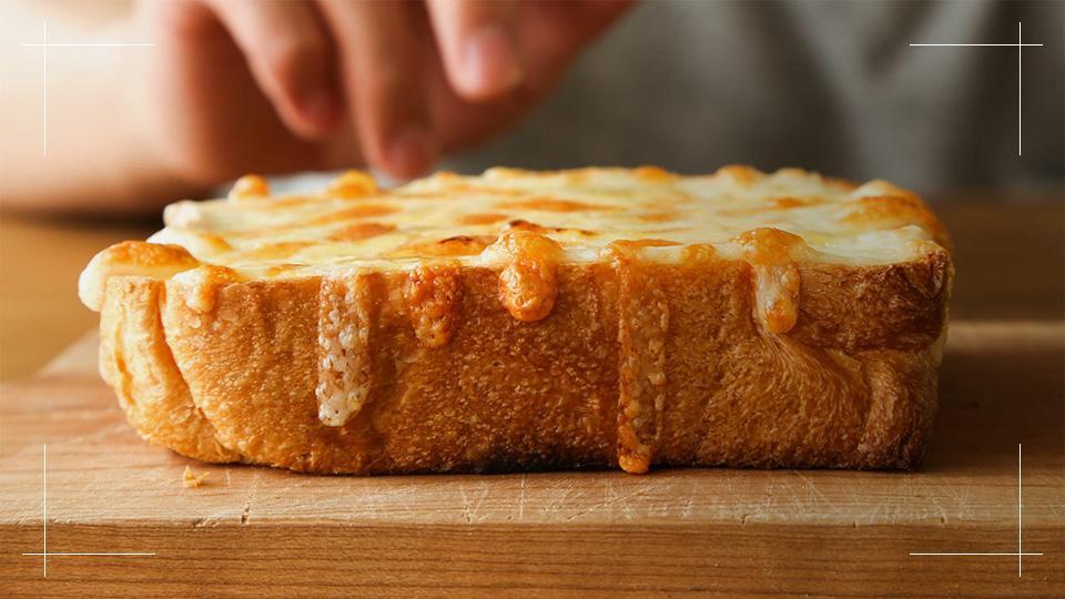 BALMUDA The Toaster (バルミューダ ザ・トースター) / 究極のチーズトースト